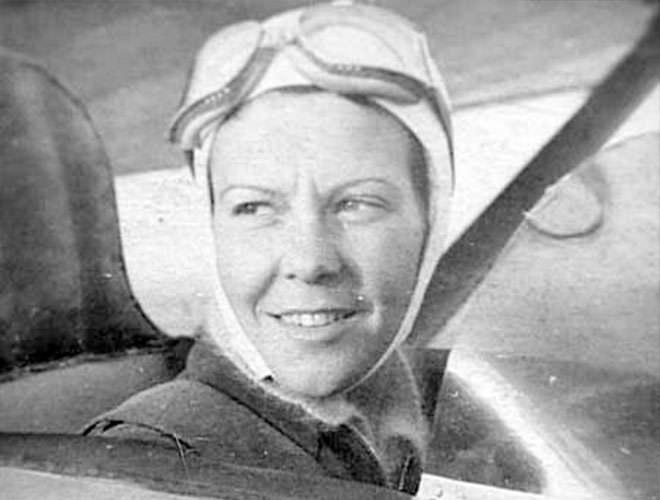 Premiére femme turque pilote en 1936: SABIHA GÖKÇEN