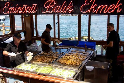 poisson grillé dans le pain istanbul