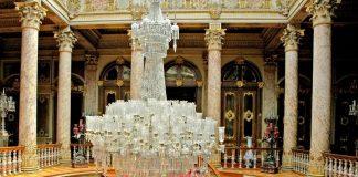 Istanbul, Le Palais De Dolmabahce