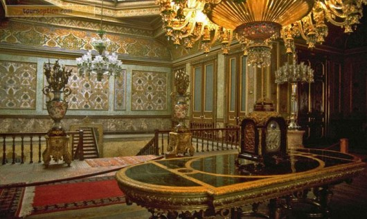 dolmabahce-palace6-642ee043-e1453571025476