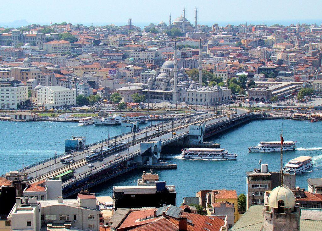 Le Pont De Galata Istanbul, La promenade sur le Bosphore