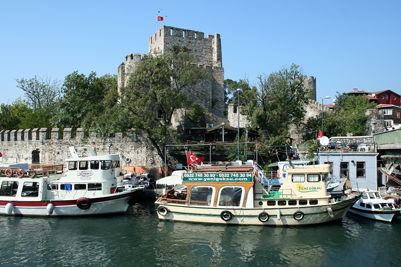 Anadolu Hisari Le Bosphore Istanbul, la promenade sur le Bosphore