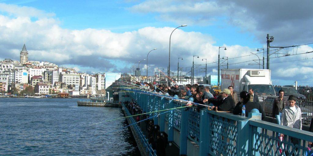 les pêcheurs du Pont de Galata Istanbul