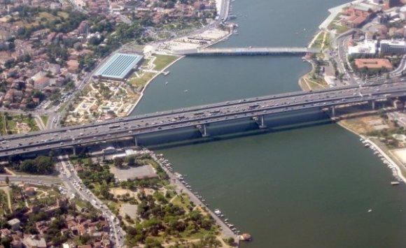 Le pont de Haliç sur la corne d'or, Istanbul
