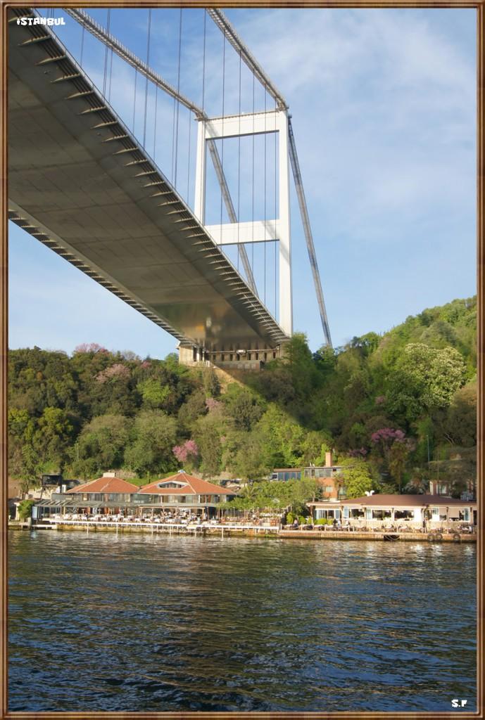 Le pont de Fatih Sultan Mehmet, le Bosphore Istanbul