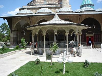 Le Couvent de derviches tourneurs Konya