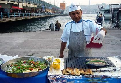 vendeur-de-poisson-grillé-istanbul