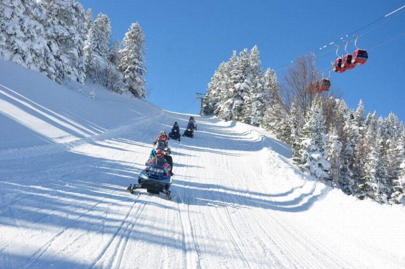 Faire du ski  à Uludag à Bursa en Turquie