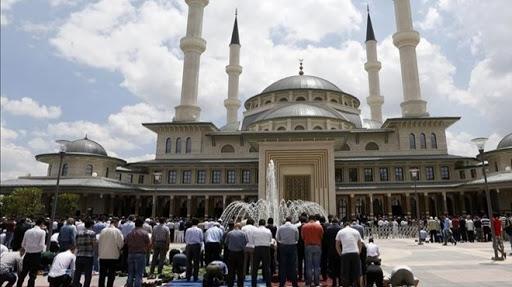 La prière du vendredi - l'appel à la prière en Turquie