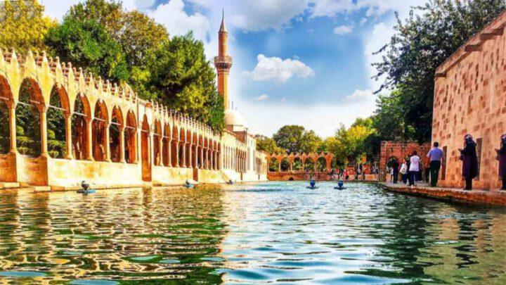 lac balikli à Urfa - La mosquée Halil-ur Rahman