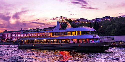 Croisière Dîner Spectacle sur le Bosphore à Istanbul